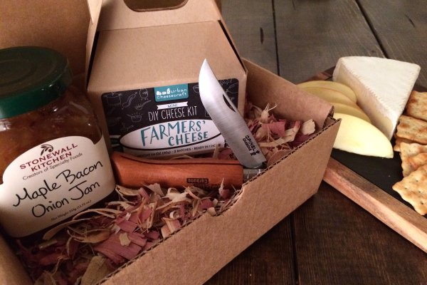 Tenth & Hickory Cratejoy subscription box Share the meal