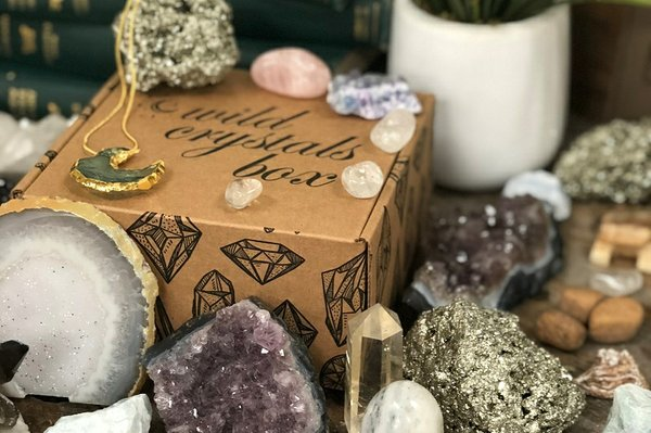 15 Best Crystal Subscription Boxes for Healing Energy | Cratejoy