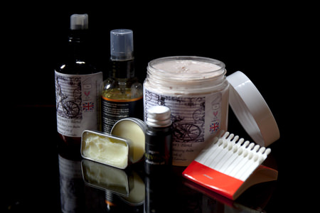 An array of wet shaving related products as an example of feature items in the shaving subscription